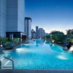 Отель Banyan Tree Bangkok бассейн