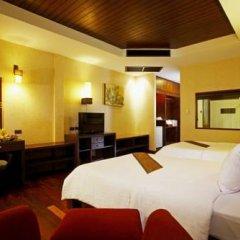 Отель Khaolak Bay Front Resort сейф в номере