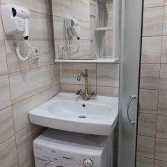 Гостиница on Demokraticheskaya str 45-2a в Сочи отзывы, цены и фото номеров - забронировать гостиницу on Demokraticheskaya str 45-2a онлайн ванная