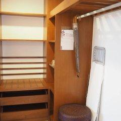 Отель Woodlands Suites Serviced Residences сейф в номере