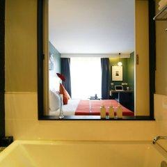 Отель Page 10 Hotel & Restaurant Таиланд, Паттайя - отзывы, цены и фото номеров - забронировать отель Page 10 Hotel & Restaurant онлайн ванная фото 2