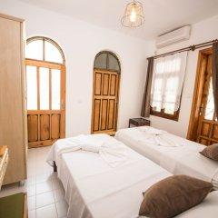 Отель Old Kalamaki Pansiyon Калкан комната для гостей фото 4