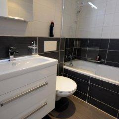 Апартаменты Luxury Apartments by Livingdowntown ванная фото 2