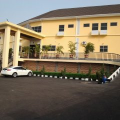 Best Choice Hotel & Suites Enugu Энугу парковка