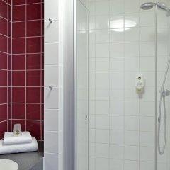 Отель B&B Hotel Munchen City-Nord Германия, Мюнхен - отзывы, цены и фото номеров - забронировать отель B&B Hotel Munchen City-Nord онлайн ванная фото 2