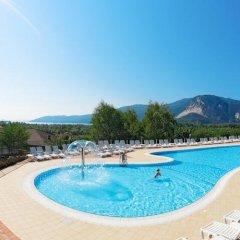 Отель Residence Isolino Италия, Вербания - отзывы, цены и фото номеров - забронировать отель Residence Isolino онлайн бассейн фото 3