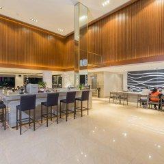 Отель The Charm Resort Phuket Пхукет гостиничный бар