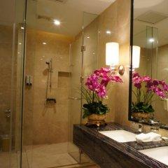 Отель Shenzhen Futian Dynasty Hotel Китай, Шэньчжэнь - отзывы, цены и фото номеров - забронировать отель Shenzhen Futian Dynasty Hotel онлайн ванная