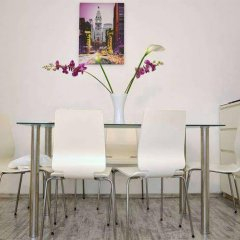 Апартаменты Govienna Belvedere Apartment Вена гостиничный бар