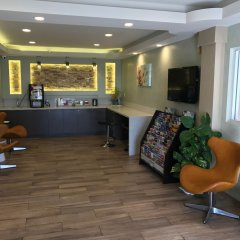 Отель Crystal Inn Suites & Spas комната для гостей