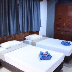 Отель The Little Mermaid Guesthouse And Restaurant пляж Ката комната для гостей фото 5