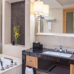 Отель Crowne Plaza Paragon Xiamen Китай, Сямынь - 2 отзыва об отеле, цены и фото номеров - забронировать отель Crowne Plaza Paragon Xiamen онлайн ванная