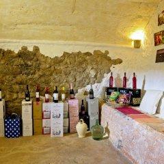 Отель Arianella B&B Penedes гостиничный бар