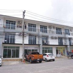 Отель PintomansionThalang парковка