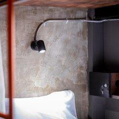 Kaen Hostel Паттайя сейф в номере