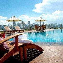 Отель Seven Place Executive Residences Бангкок бассейн фото 3
