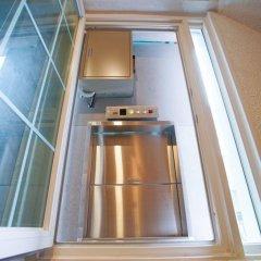 Отель D.H Sinchon Guesthouse Южная Корея, Сеул - отзывы, цены и фото номеров - забронировать отель D.H Sinchon Guesthouse онлайн ванная фото 2