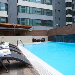 Отель Wharney Guang Dong Hong Kong бассейн