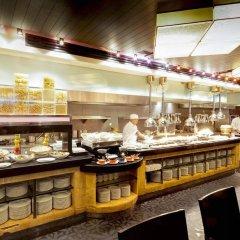 Отель Grand Millennium Hotel Kuala Lumpur Малайзия, Куала-Лумпур - отзывы, цены и фото номеров - забронировать отель Grand Millennium Hotel Kuala Lumpur онлайн питание фото 3
