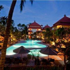 Отель White Rose Kuta Resort, Villas & Spa бассейн фото 3