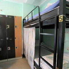 Zen Hostel Mahannop Бангкок сейф в номере