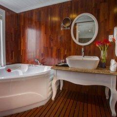 Отель Signature Royal Cruise ванная