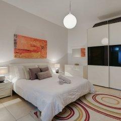 Отель Luxury Apt With Side Seaviews and Pool, Best Location Мальта, Слима - отзывы, цены и фото номеров - забронировать отель Luxury Apt With Side Seaviews and Pool, Best Location онлайн комната для гостей фото 2