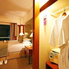 Bangkok Palace Hotel сейф в номере