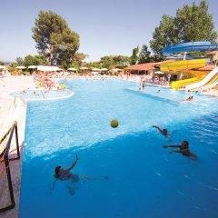 Отель Carelta Beach Resort & Spa бассейн