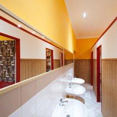 Отель Hostel Elf Чехия, Прага - отзывы, цены и фото номеров - забронировать отель Hostel Elf онлайн ванная