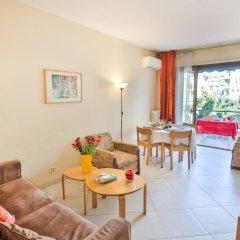 Отель Le France-Massenet AP3015 by Riviera Holiday Homes Ницца комната для гостей фото 3