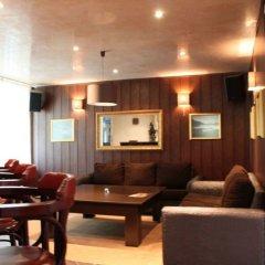 Отель Aparthotel Forest Glade Болгария, Чепеларе - отзывы, цены и фото номеров - забронировать отель Aparthotel Forest Glade онлайн гостиничный бар
