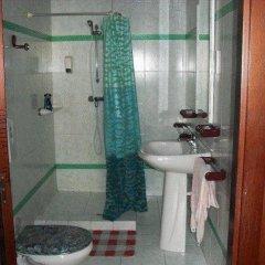 Отель Highlander Guest House And Bar Сан Джулианс ванная фото 2