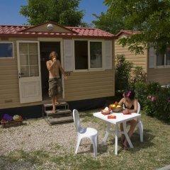 Отель Camping Village Roma Бунгало с различными типами кроватей фото 10