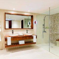 Отель The Westin Denarau Island Resort & Spa, Fiji Фиджи, Вити-Леву - отзывы, цены и фото номеров - забронировать отель The Westin Denarau Island Resort & Spa, Fiji онлайн ванная