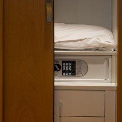 Hotel Planet Ареццо сейф в номере