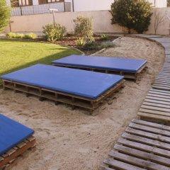 Almagreira Surf Hostel бассейн