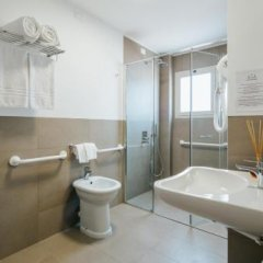 Hotel Jolanda Сан-Микеле-аль-Тальяменто ванная фото 2