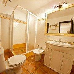 Отель Hacienda Roche Viejo Испания, Кониль-де-ла-Фронтера - отзывы, цены и фото номеров - забронировать отель Hacienda Roche Viejo онлайн ванная