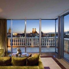 Отель Mandarin Oriental, Munich Германия, Мюнхен - 7 отзывов об отеле, цены и фото номеров - забронировать отель Mandarin Oriental, Munich онлайн балкон