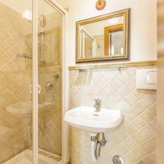 Отель Tourist House Liberty Италия, Флоренция - отзывы, цены и фото номеров - забронировать отель Tourist House Liberty онлайн ванная