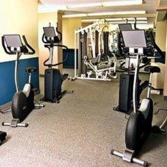 Отель Regency Suites Hotel Канада, Калгари - отзывы, цены и фото номеров - забронировать отель Regency Suites Hotel онлайн фитнесс-зал фото 3