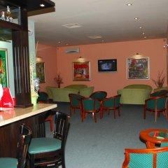 Отель Velbazhd Болгария, Кюстендил - отзывы, цены и фото номеров - забронировать отель Velbazhd онлайн гостиничный бар