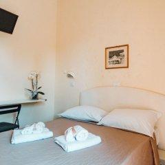 Отель MORRIS Римини сейф в номере