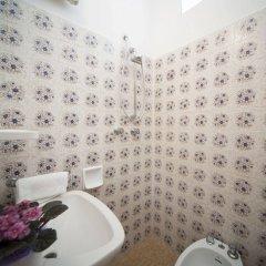 Отель Luciana Италия, Римини - 1 отзыв об отеле, цены и фото номеров - забронировать отель Luciana онлайн ванная фото 2