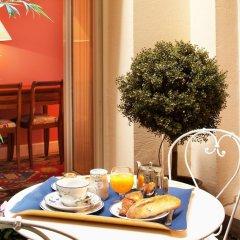 Отель Relais Du Louvre в номере