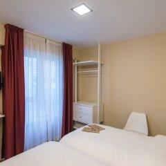 Отель Hostal La Lonja комната для гостей фото 2