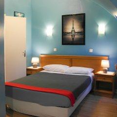Отель Hôtel Audran сейф в номере