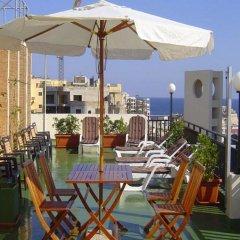 Отель Rokna Hotel Мальта, Сан Джулианс - 1 отзыв об отеле, цены и фото номеров - забронировать отель Rokna Hotel онлайн бассейн