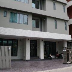 Отель College Haus Бангкок парковка